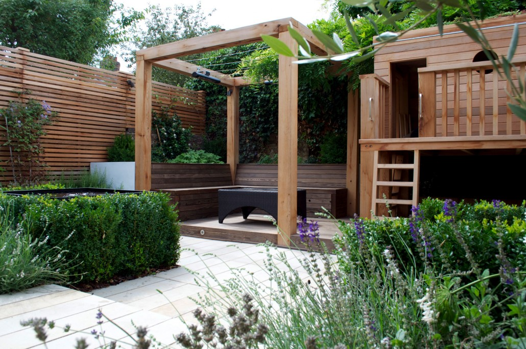Landscape design for small gardens by professional for Medium garden ideas