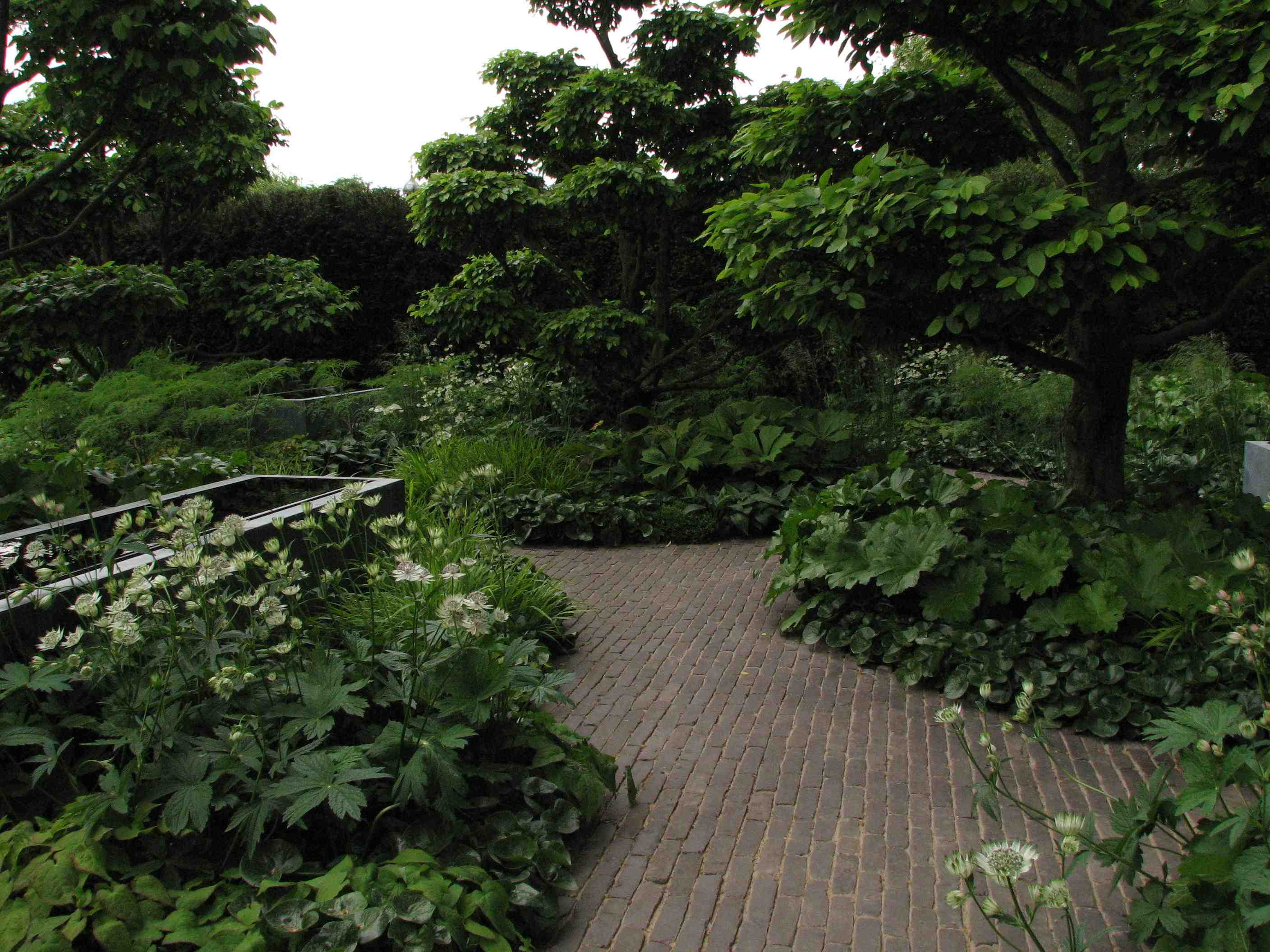 clay pavers chelsea 2008 - Garden Design Trends 2016
